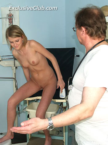 Doctor gyno and teen Kate gyno exam