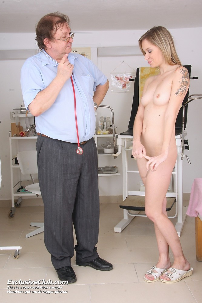 http://www.doctorgynoexam.com/galleries/exam-pics-scarlet-20120216033557/1.jpg
