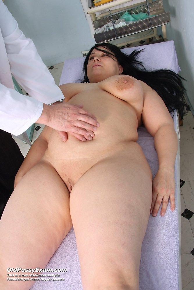 фото толстых голых угинеколога