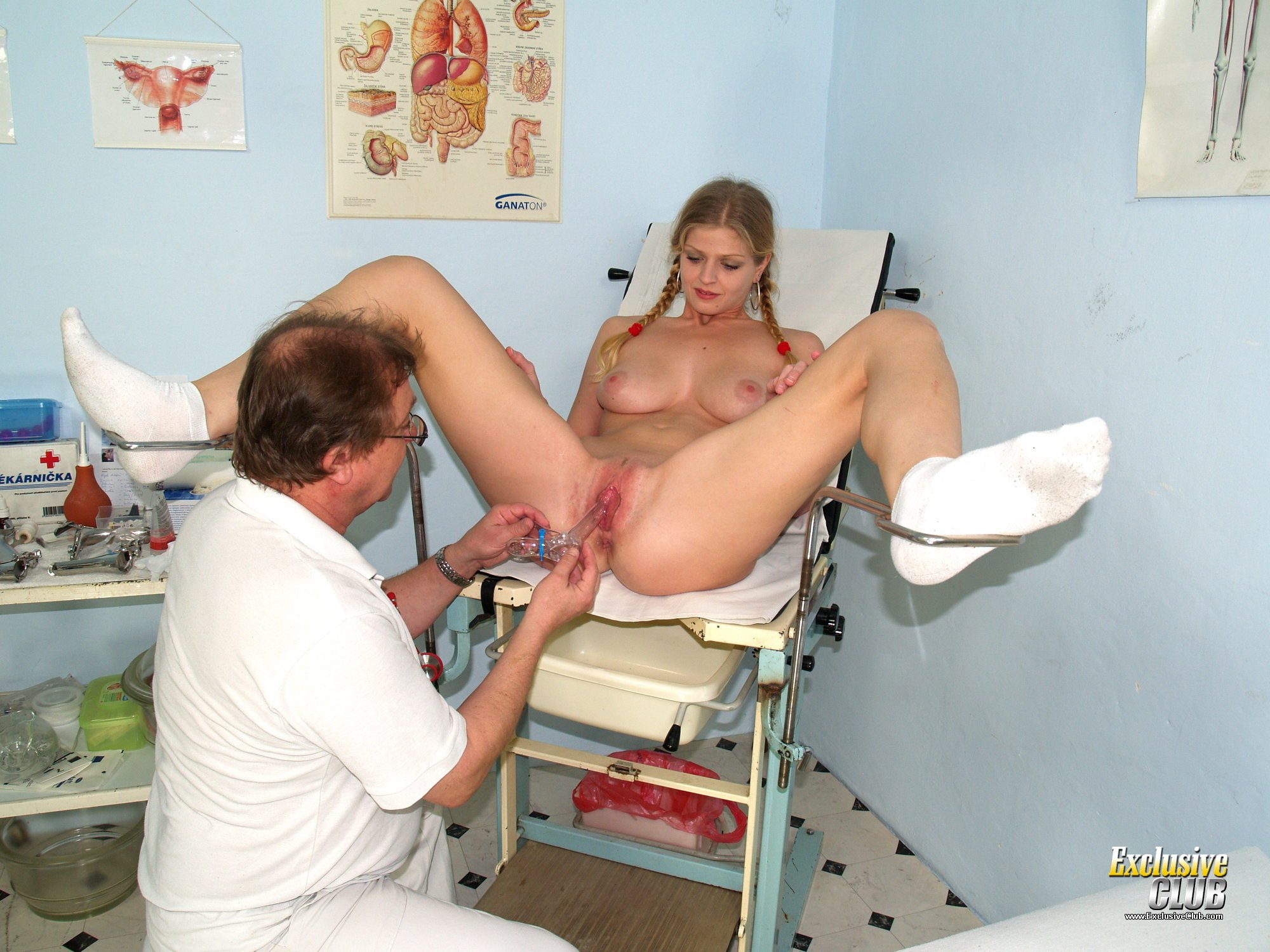 Jenny gyno pussy speculum exam on gynochair by old kinky doc 6