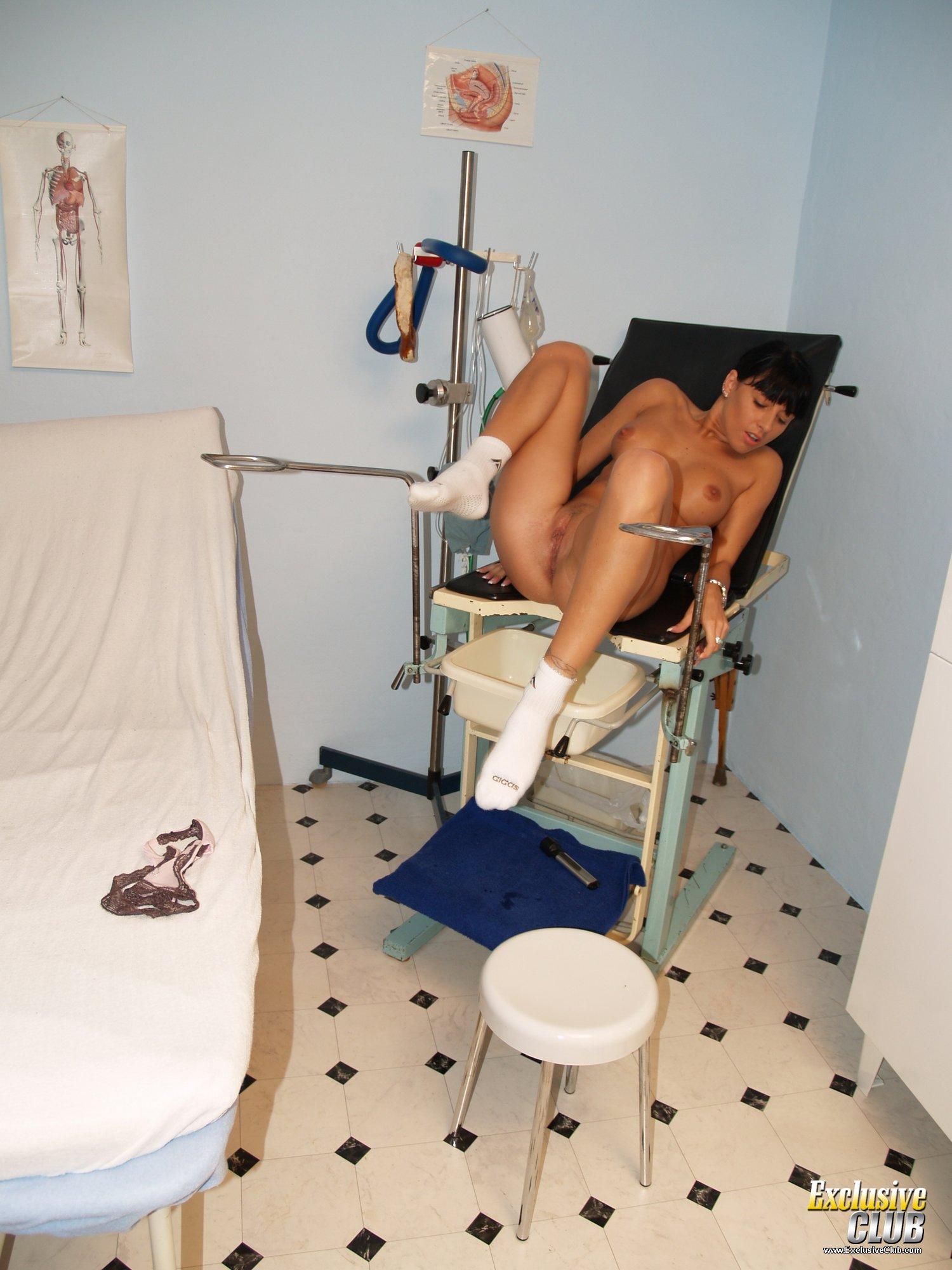 Смотреть секс извращения осмотр у гинеколога бесплатно и без регистрации 25 фотография