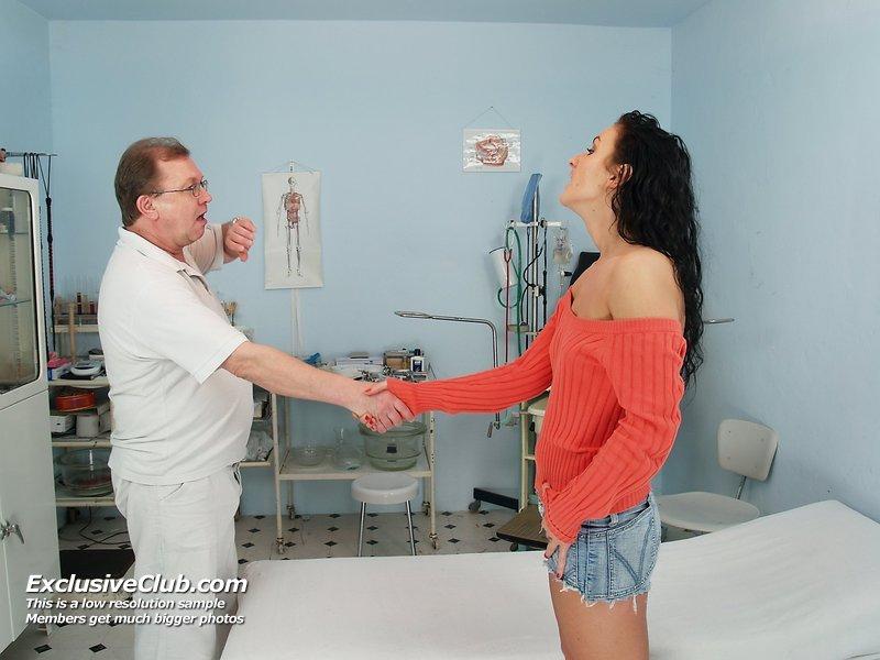doctorgynoexam galleries nats exam1 lydia 20110719050712 1
