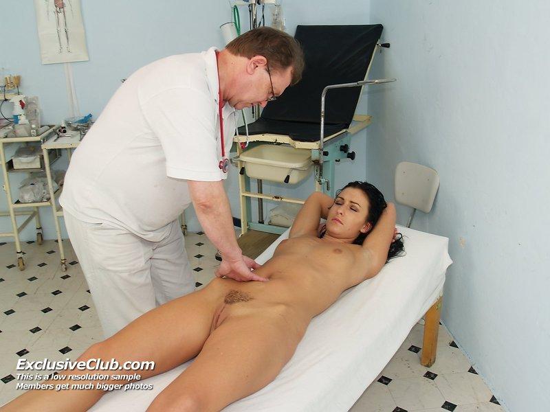 doctorgynoexam galleries nats exam1 lydia 20110719050712 8