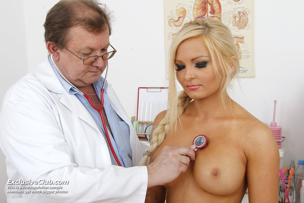 http://www.doctorgynoexam.com/galleries/pics-nicky-20121113040836/2.jpg