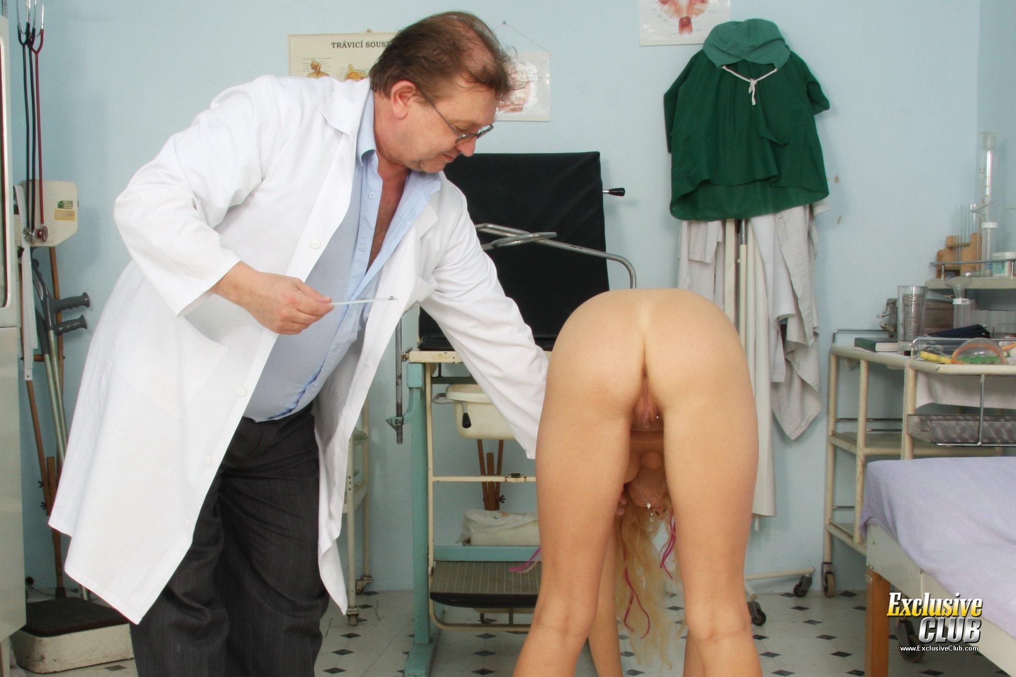 Фото бабы на приеме у гинеколога 20 фотография
