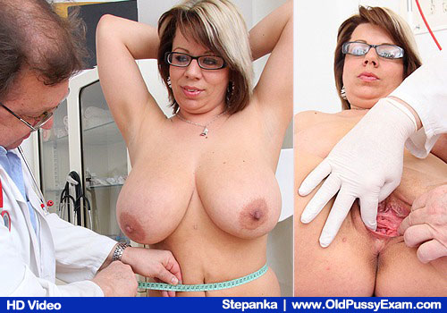 Dame gyno with a gynoinstrument Part 4 6