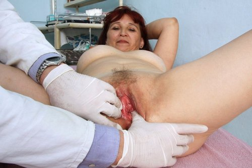 Old Redhead Zita Pulse Measured and Pussy Examined